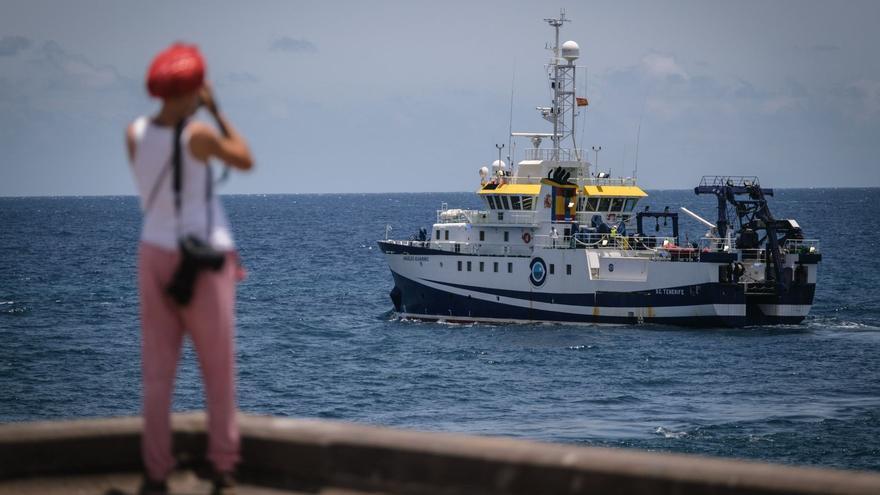 Continua la recerca d'Anna i Tomás Gimeno en aigües de Tenerife