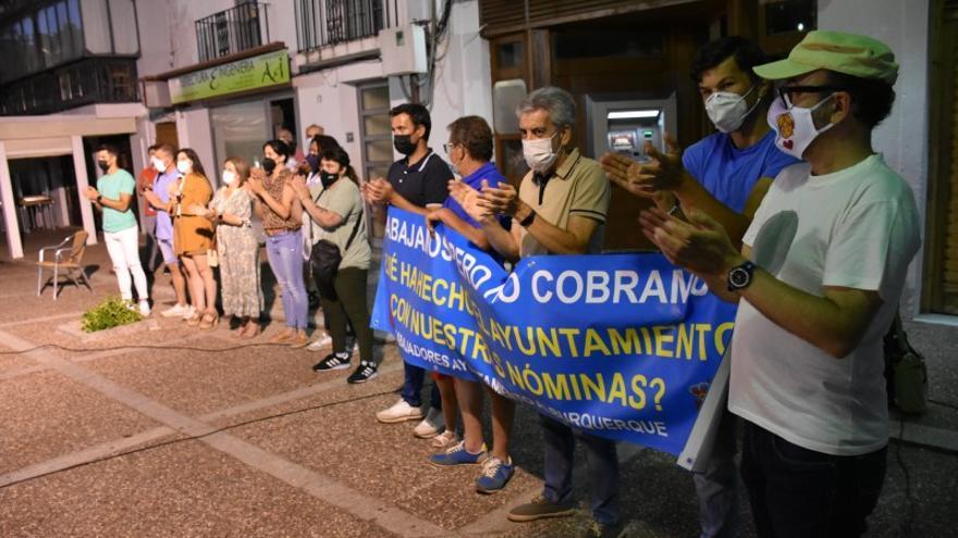 Trabajadores municipales acamparán en el centro de Alburquerque