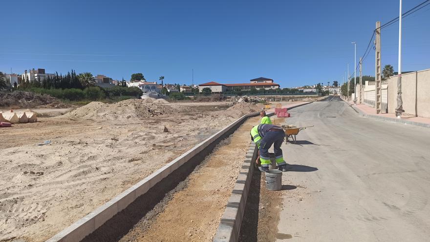 San Miguel tramita reclasificar una rambla para construir casas y un supermercado