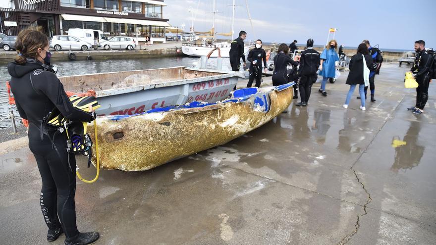 Más de 500 buceadores voluntarios retiran residuos marinos del litoral de la Región