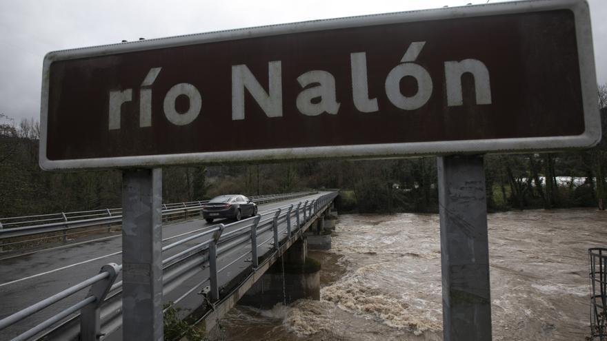 Preocupación por los ríos, al límite en Pravia, Oviedo y Cangas del Narcea