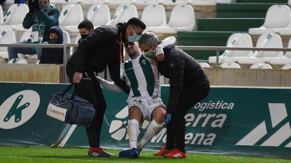 El Córdoba CF abre la puerta a un fichaje tras la lesión de Samu Delgado