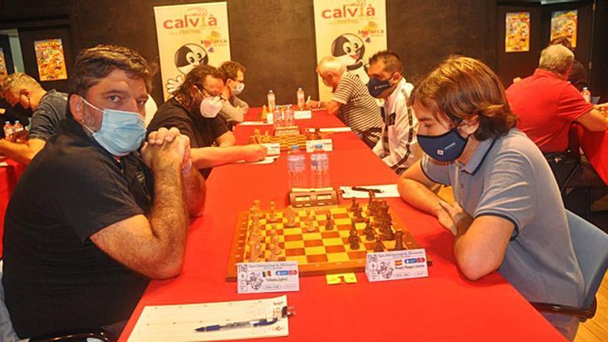 Voiteanu y Viskelis se quedan solos en el festival de Calvià