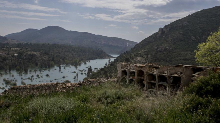 10 lugares abandonados (y siniestros) cerca de València que puedes visitar el Día de Todos los Santos