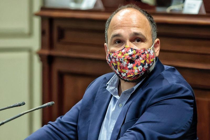 Pleno del Parlamento: comparecencia de José Antonio Valbuena