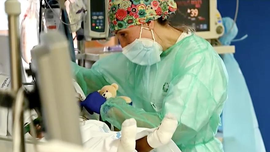 Aumentan los casos de COVID en bebés