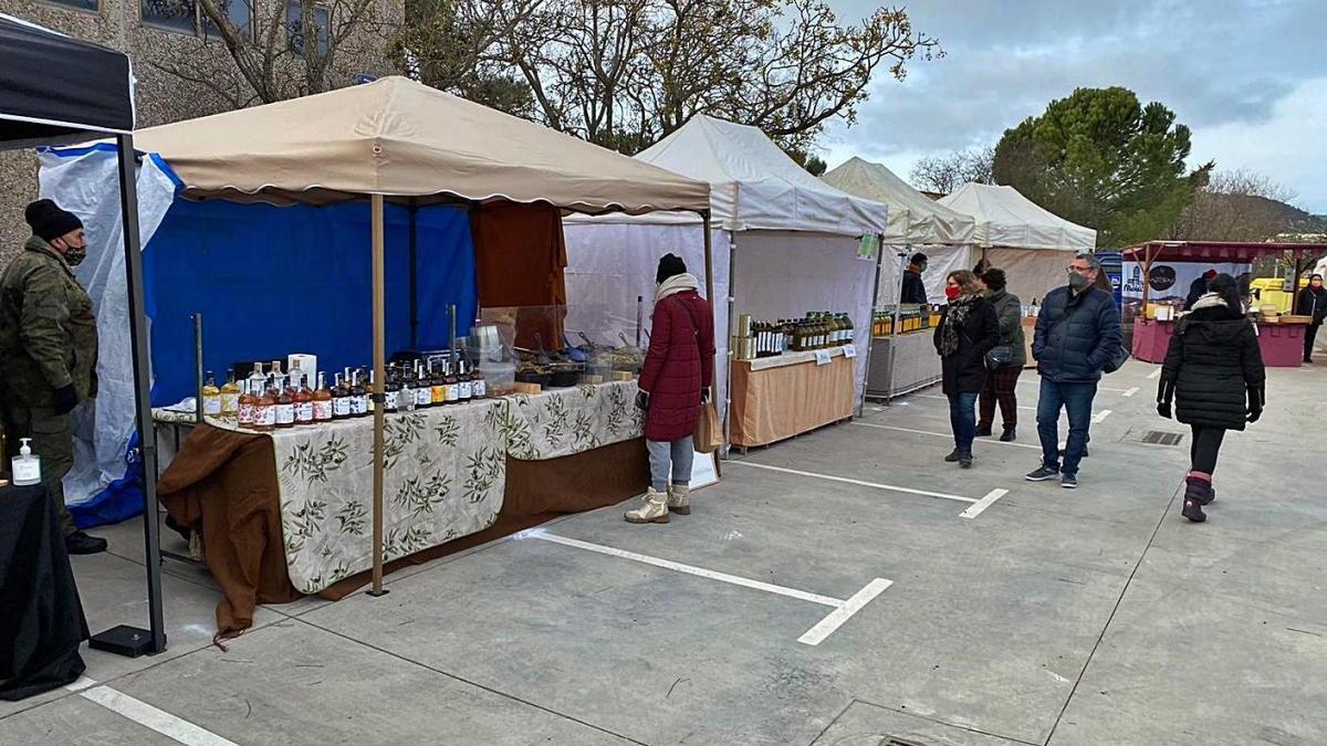 El Mercat de l'Oli de Cabrianes es revela com un reclam per a la comarca