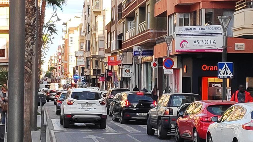 El éxito del bonoconsumo de Torrevieja dispara la picaresca y agota el crédito