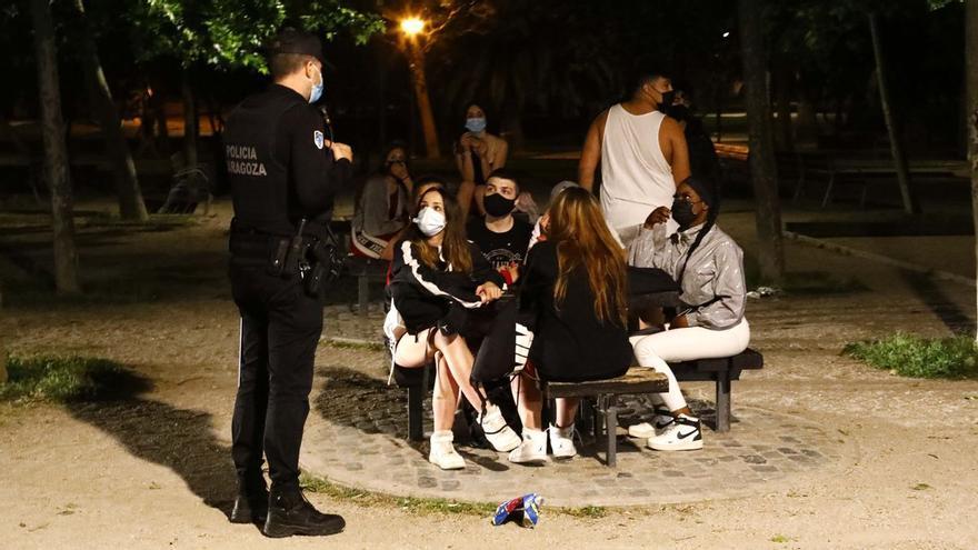 Los botellones, en el punto de mira: Zaragoza reforzará la vigilancia para el Pilar