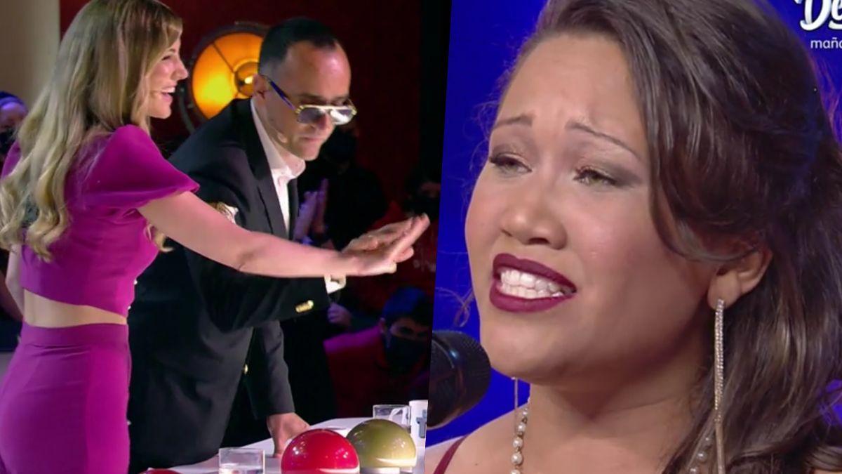 Edurne y Risto Mejide dándole el pase de oro a Rosa María en 'Got Talent'.