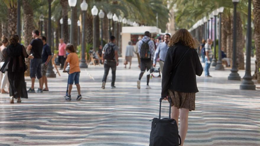 Los hoteles de Alicante prevén un gran puente festivo en el que rozarán el 80% de ocupación