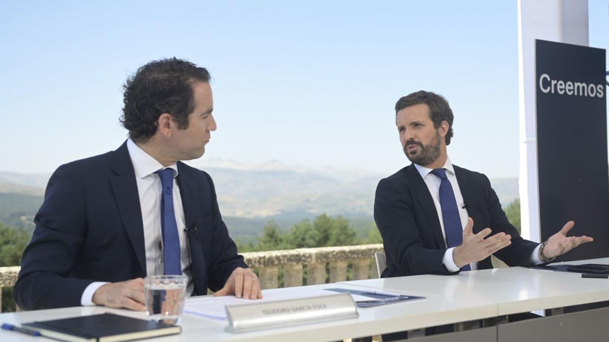 El secretario general del PP, Teodoro García Egea, y el presidente, Pablo Casado.