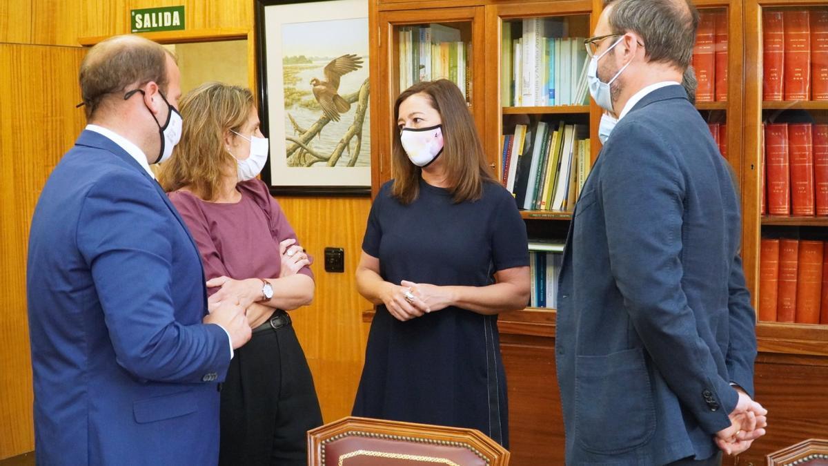 Armengol, Hila y Mir se reunieron ayer en Madrid con la vicepresidenta Teresa Ribera.