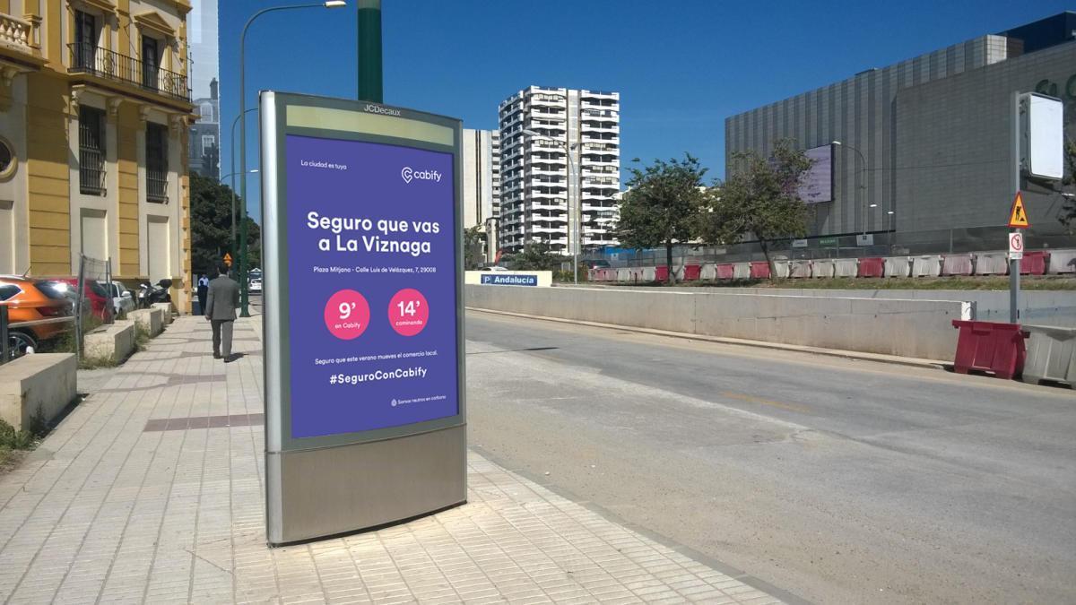 Ejemplo de uno de los carteles que se colocarán en soportes publicitarios en la ciudad de Málaga.