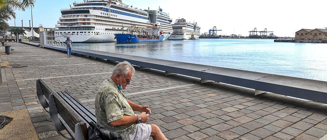 Barcos de AIDA atracados en el Muelle de Santa Catalina a finales del pasado octubre.