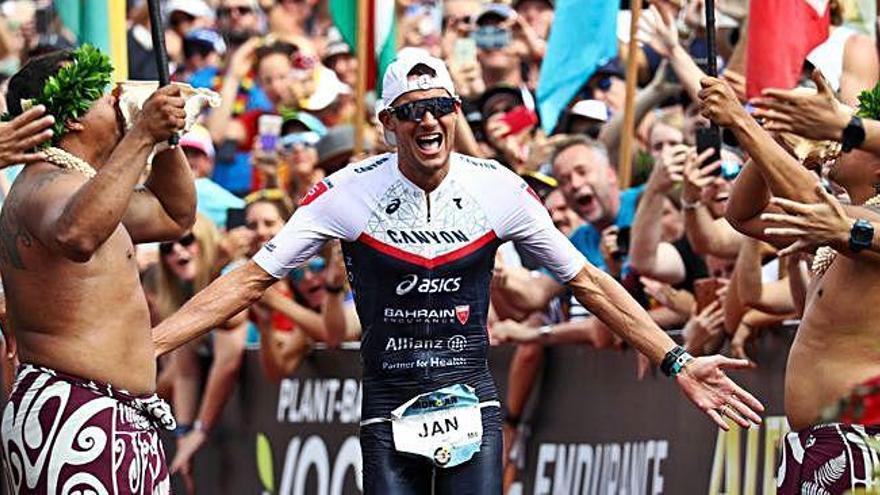 Jan Frodeno fa història a Hawaii en un Ironman que ha preparat a Girona