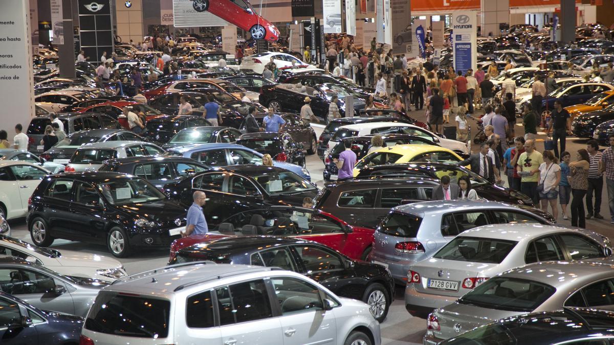 Feria de vehículos de segunda mano.
