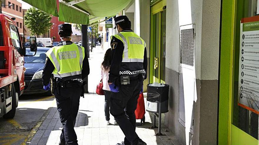 El Síndic reprende a Paiporta por no contestar quejas de un oficial de Policía