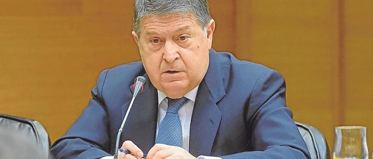 El expresidente de Bancaja José Luis Olivas, en una comparecencia en las Cortes. europa press