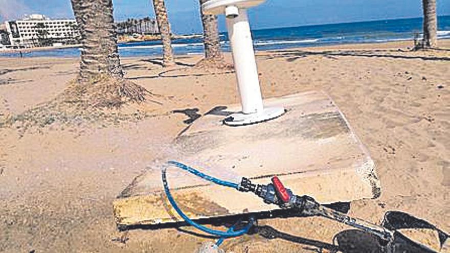 Curioso lavapiés en la playa de Xàbia
