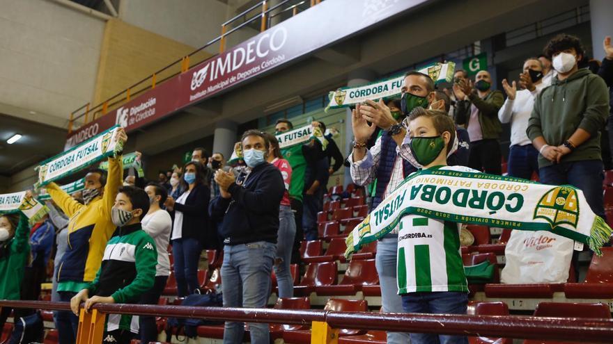 La afición blanquiverde se vuelca con el Córdoba Futsal