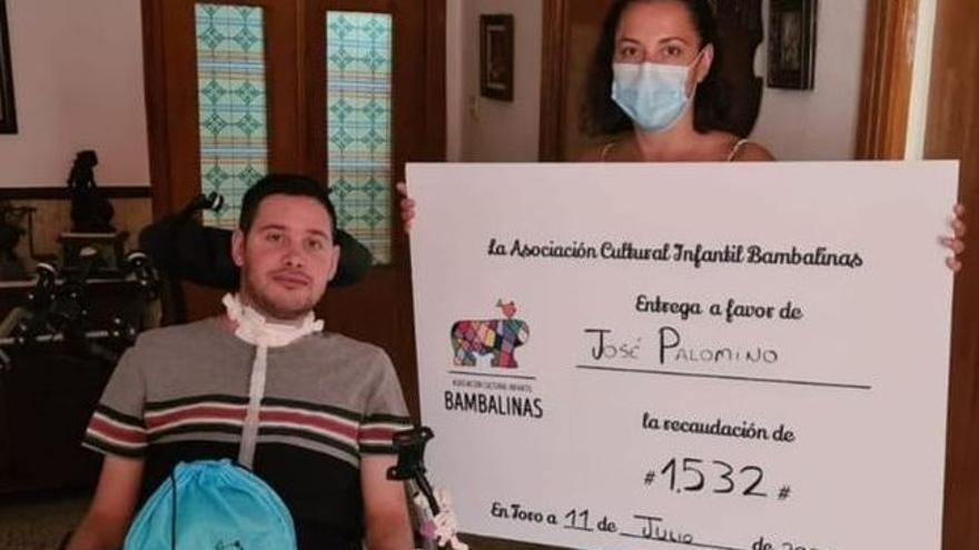 Bambalinas de Toro recauda 1.532 euros para la silla de ruedas de José Palomino