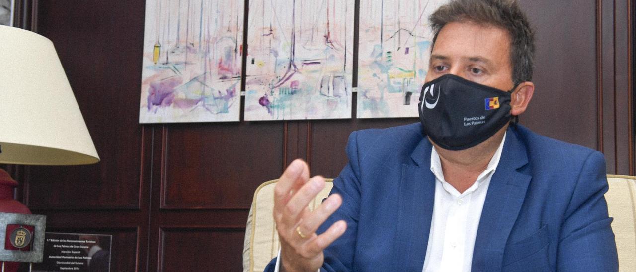 El presidente de la Autoridad Portuaria de Las Palmas, Luis Ibarra, durante la entrevista.