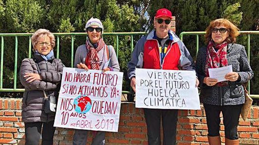 Seis toresanos se suman a los viernes contra el cambio climático