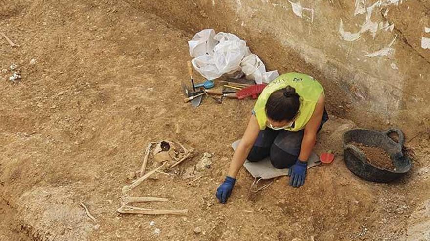Excavación de la fosa común de Son Coletes: Abrir para arrojar luz sobre la verdad