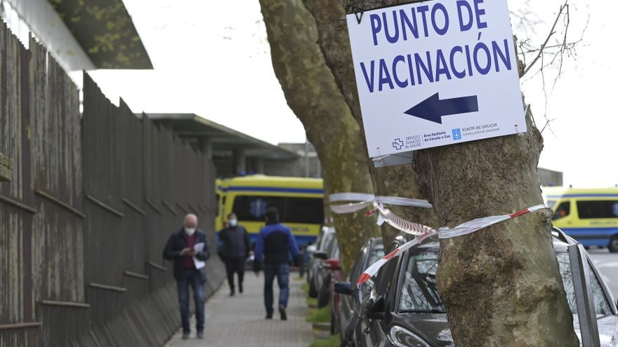 Los gallegos que aún están sin vacunar pueden pedir cita por WhattsApp desde hoy