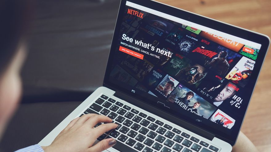 ¿Cuotas en Netflix? No es tanto el idioma sino un rescate al decadente sector audiovisual catalán