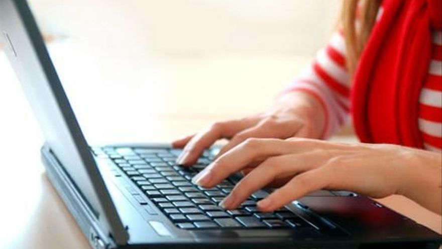 Un estudi estableix que l'11,3 per cent de les compres realitzades a Europa són per internet