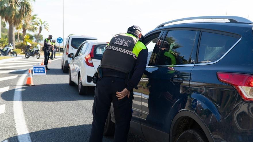 La Policía Local de Nerja impone un millar de sanciones por incumplimiento de medidas