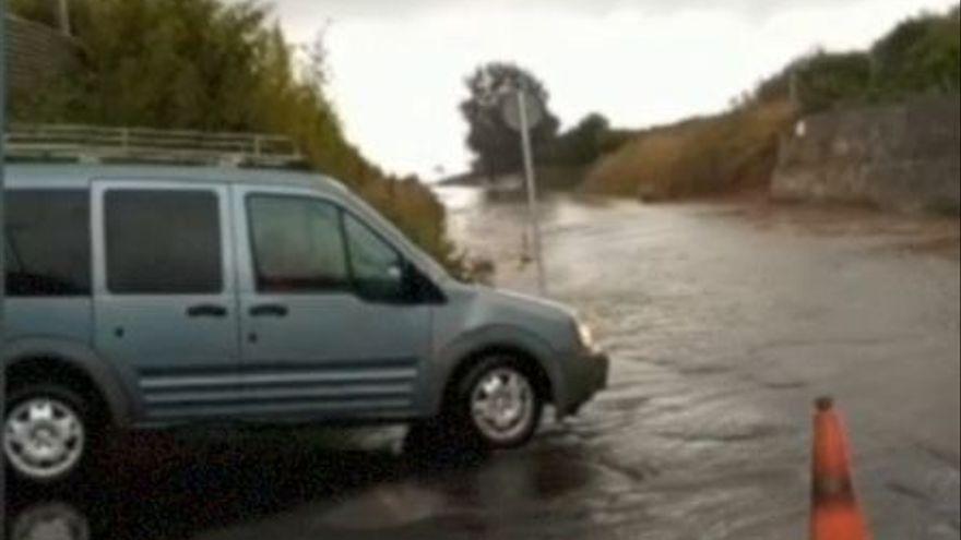 La lluvia cae con fuerza en Castelló y provoca inundaciones en Nules