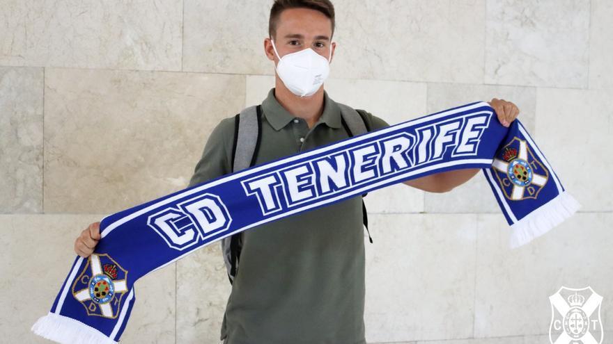 El Tenerife suma oficio a su medio campo