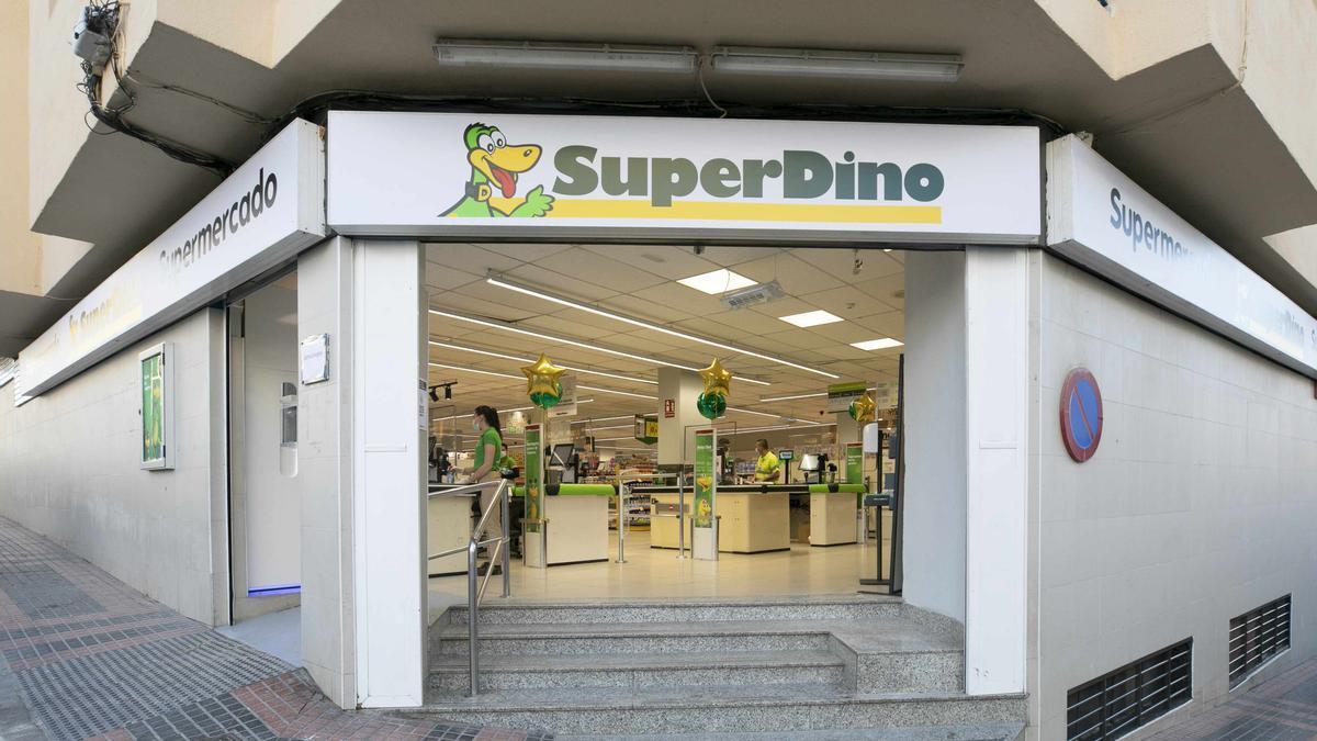 Fachada del nuevo establecimiento de Hiperdino en El Tablero