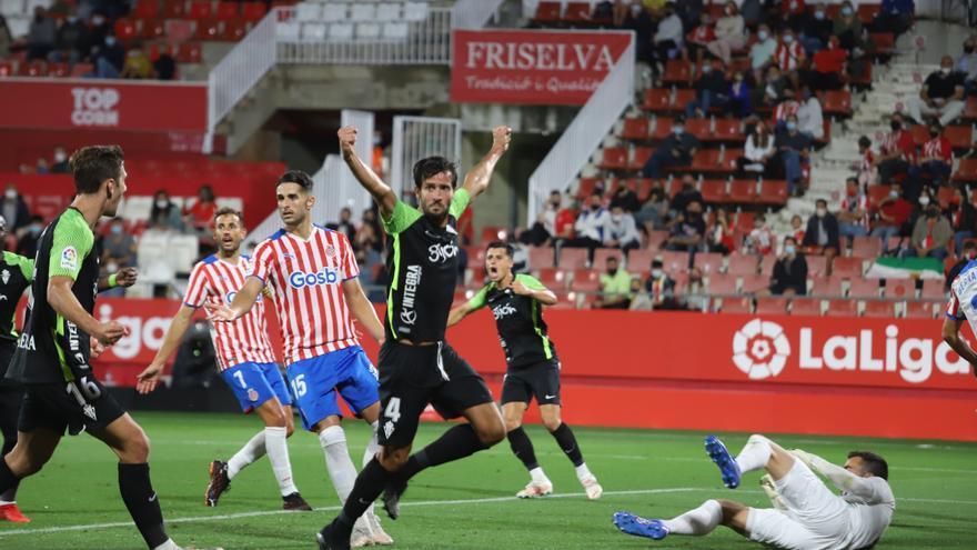 El cambio de rol de los zagueros del Sporting: Una duda central