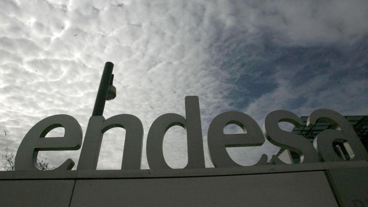 Imagen de la fachada de la sede social de la empresa eléctrica Endesa, en Madrid.