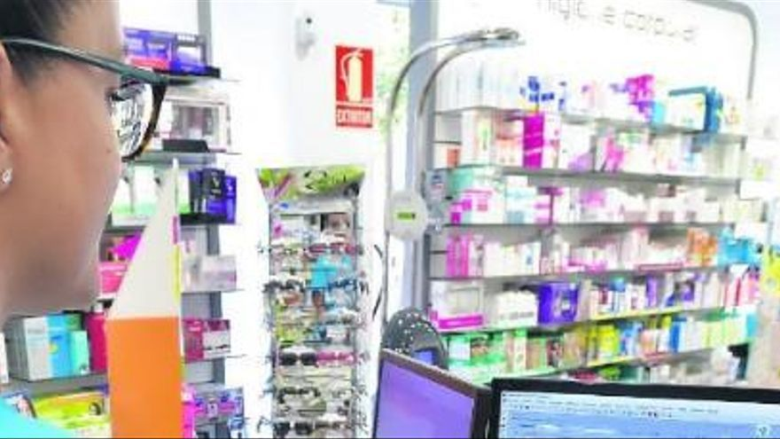 Los pacientes canarios ya pueden retirar medicamentos en todas las farmacias de España
