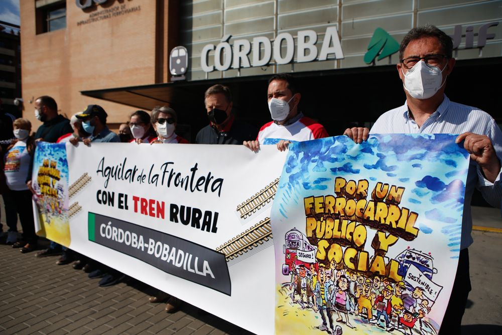 Reclaman servicios de tren y transporte por carretera para los pueblos de Córdoba