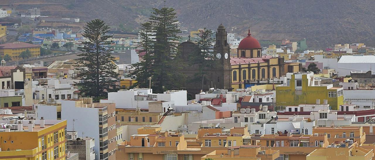 Vista de Gáldar, con el templo de Santiago presidiendo la ciudad. | | ANDRÉS CRUZ