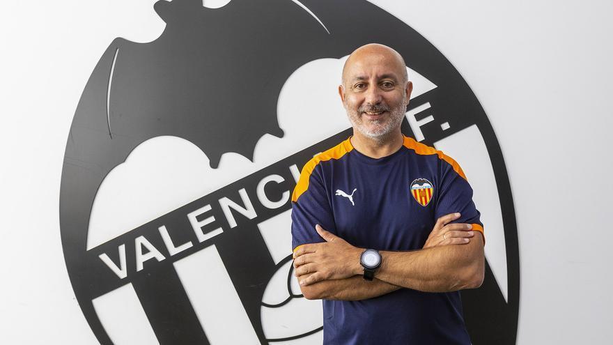 Jesús Oliva, de entrenador a director deportivo del VCF Femenino