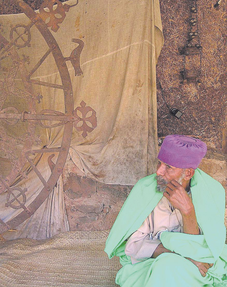 La misión de Toni Catany: regresar con una foto del rey de Etiopía