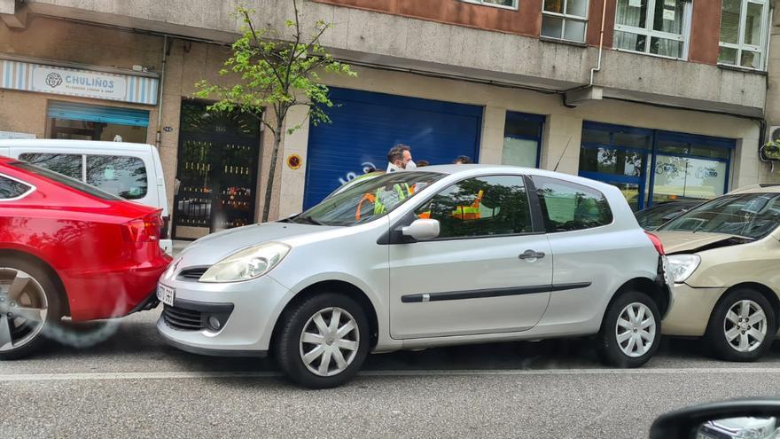Un motorista herido en Travesía de Vigo tras un choque con un turismo