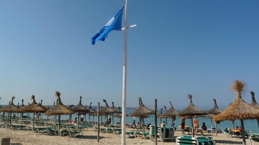 España pierde 24 banderas azules en sus playas