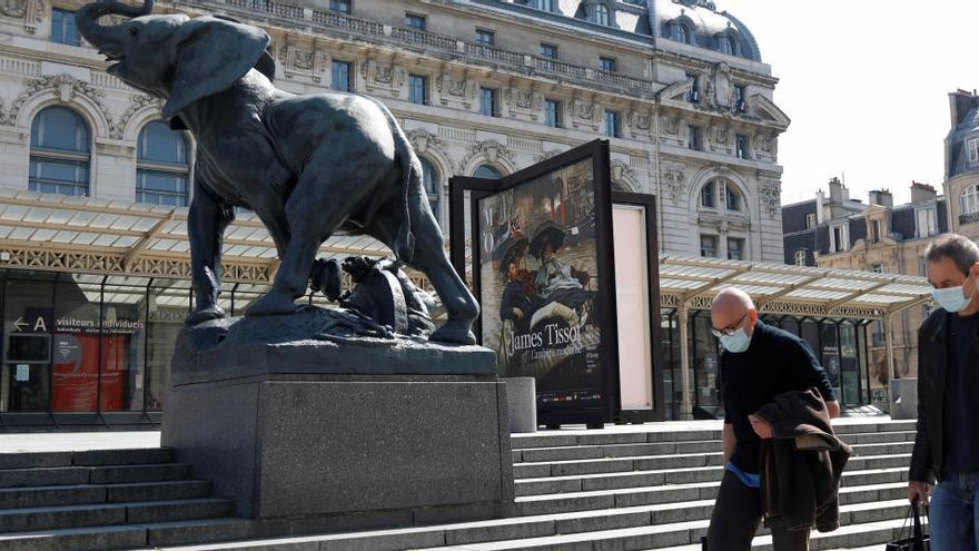 París anuncia mascarillas homologadas y lavables gratis para todos los ciudadanos