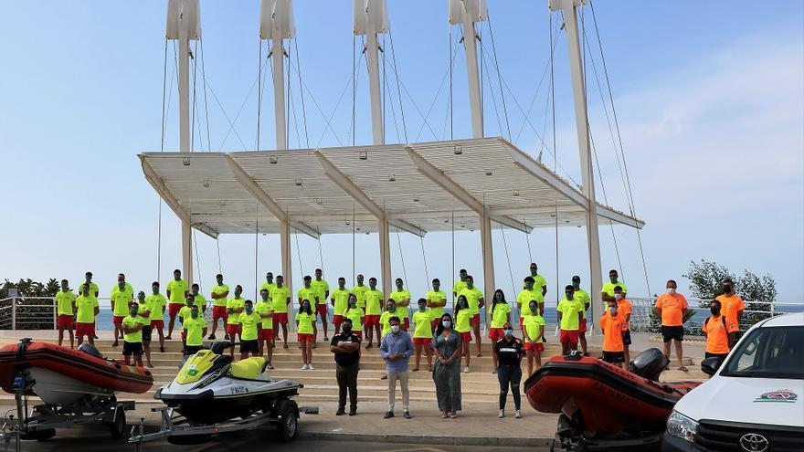 Un total de 75 personas garantizarán la seguridad en las playas de Torrox este verano