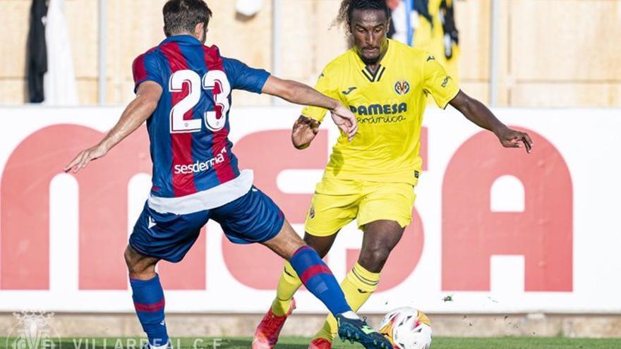 El Villarreal cede al extremo francés Haissem Hassan al Mirandés
