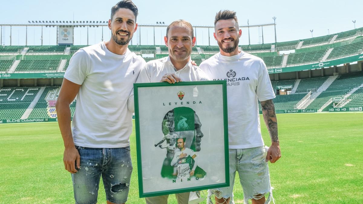 Nino, junto a Fidel y Josan, el día de su despedida