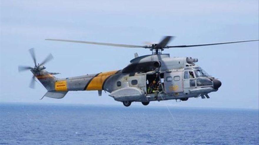 Un avión del SAR busca una patera al sur de Gran Canaria con unos 34 migrantes
